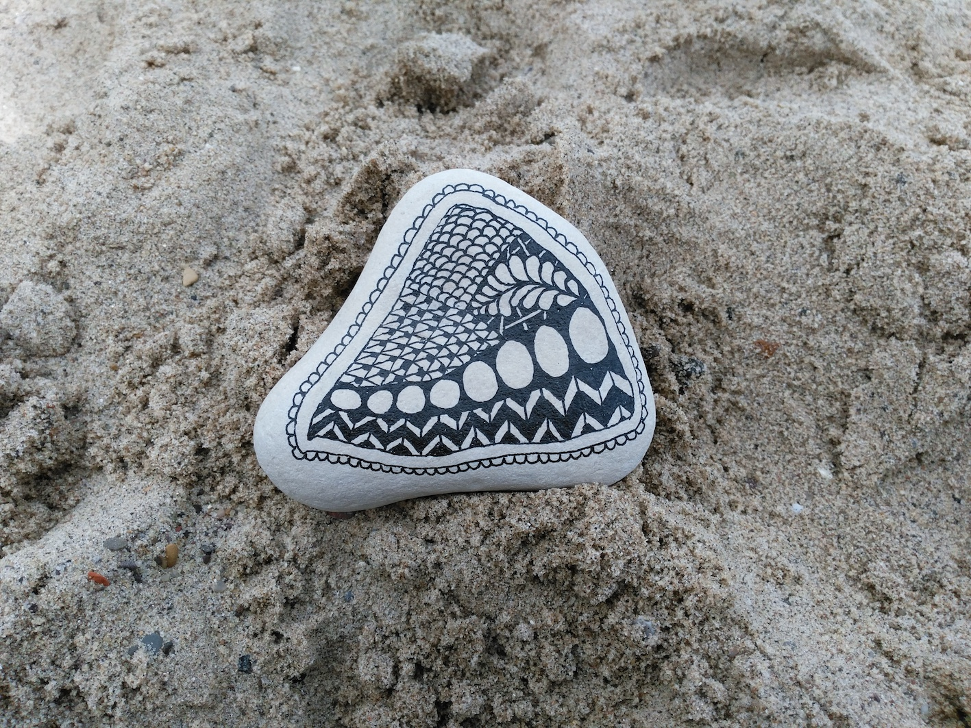 zentangle pebble